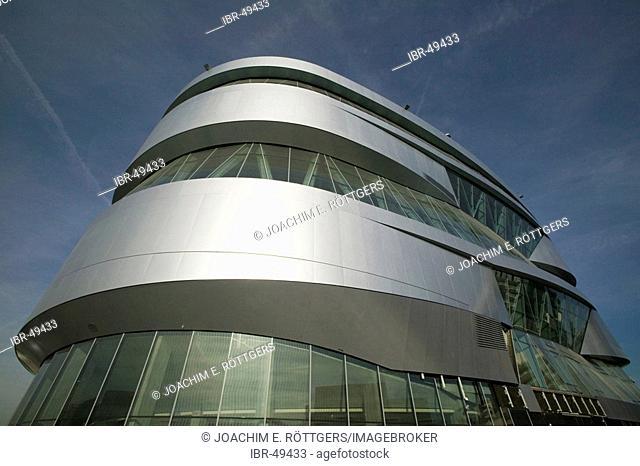 Stuttgart, DEU, 09.11.2005: between the car factory in Stuttgart Untertuerckheim and the Gottlieb Daimler stadium
