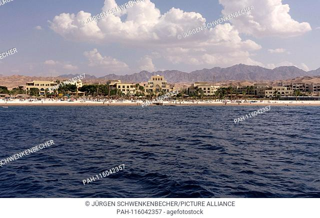 View of a holiday resort in Jordan at Tala Bay Beach near Aqaba at the Red Sea. To the largest resort on the Jordanian coast belong several hotels (among others...