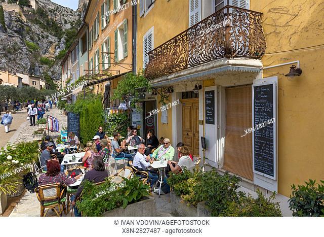 Moustiers Sainte Marie, Mostiers Santa Maria, Alpes-de-Haute-Provence department, Provence-Alpes-Cote d'Azur, France