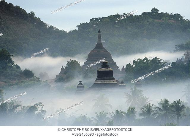 Myanmar, Rakhine State, Mrauk U, Dukkanthein and Ratanabon pagodas at sunrise