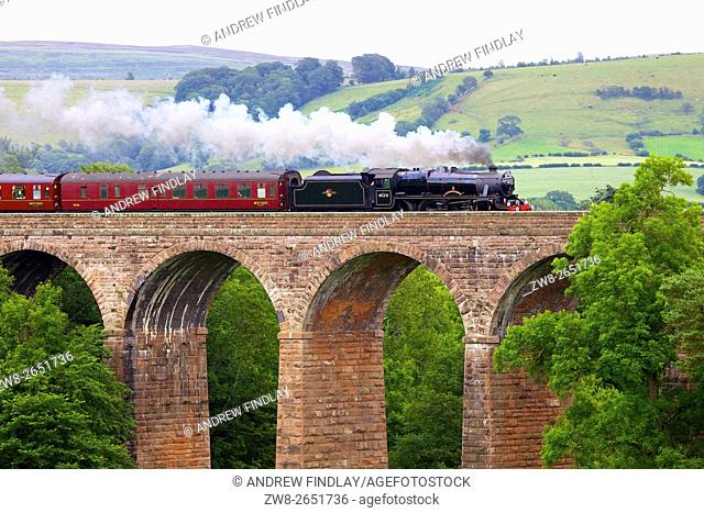 Settle to Carlisle Railway Line. Steam train The Sherwood Forester. Dry Beck Viaduct, Armathwaite, Eden Valley, Cumbria, England, United Kingdom, Europe