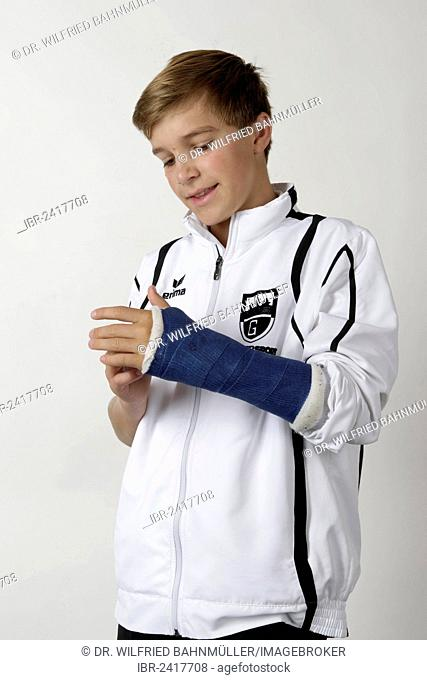 Young athlete with an arm injury