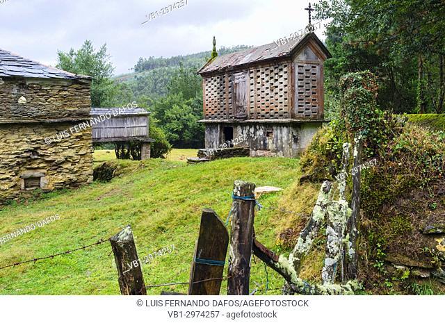 Farmhouse and raised granary or hórreo at Mañón, Coruña province, Galicia, Spain, Europe