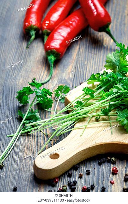Preparing for dishes made with parsley and red pepper