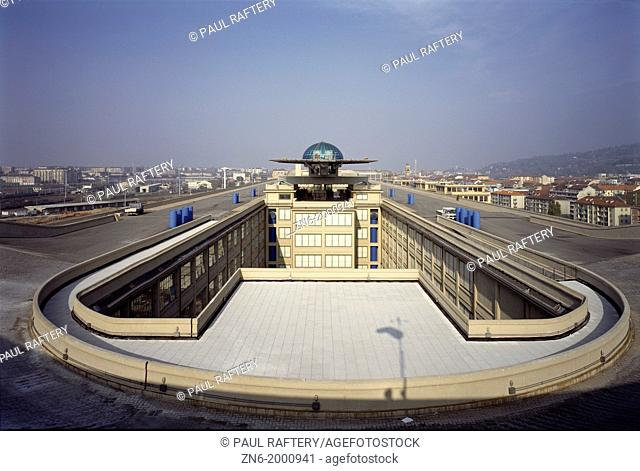 LINGOTTO CONFERENCE CENTRE, TURIN, ITALY, GIACOMO MATTE-TRUCCO + RENZO PIANO WORKSHOP, EXTERIOR, VIEW OF TEST TRACK ON ROOF