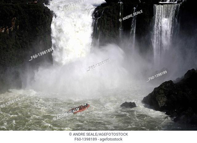 Macuco safari speed boat heading into Salto San Martin, Iguassu falls, Iguazu national park, Argentina