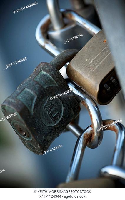 Interlocked Padlocks