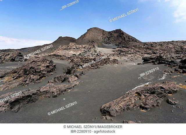 Volcanic crater in the Eastern Rift Zone, Kau Desert, Kilauea volcano, Hawaii Volcanoes National Park, Big Island, Hawaii, USA