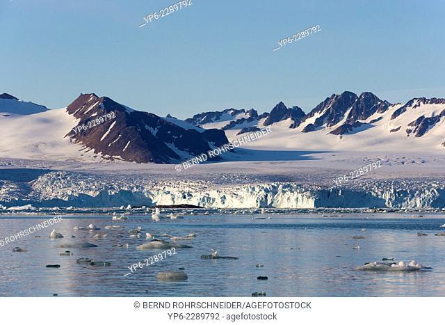 Krossfjorden with mountains and glacier Lilliehöökbreen, Spitsbergen, Svalbard