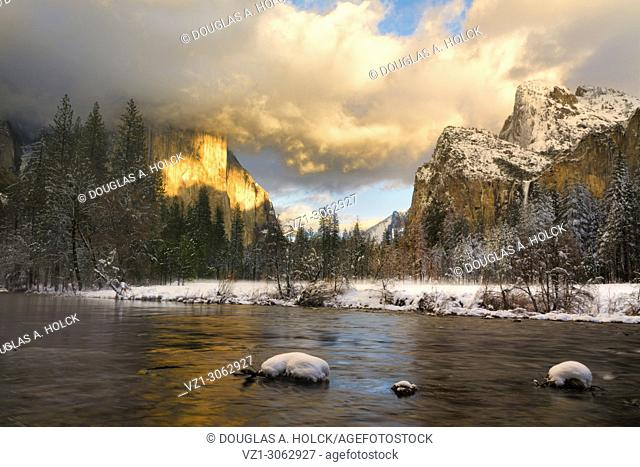 Sun on El Capitan Yosemite Winter Gates of the Valley