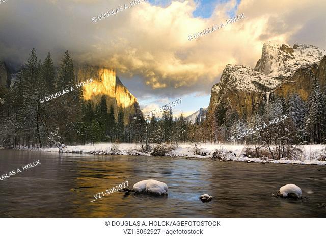 Sun on El Capitan Yosemite Winter Gates of the Valley
