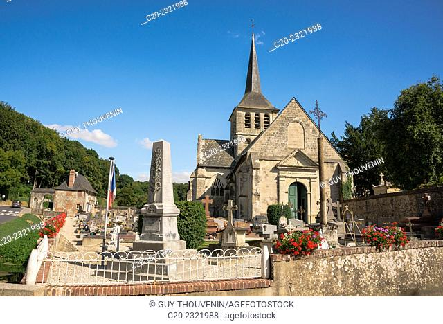 Church and churchyard, with monument to the dead, Saint-Hymer, Calvados, Lower Normandy, France