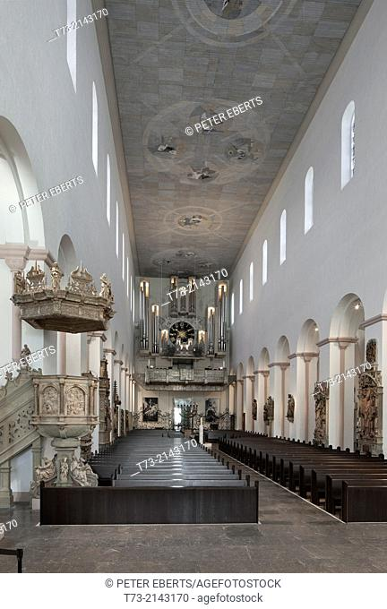 Kiliansdom, West View, pulpit and main organ, Würzburg
