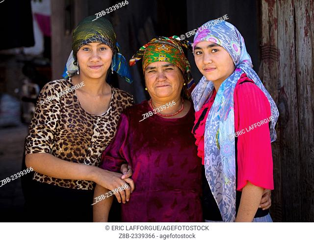Uyghur Mother And Daughters In Old Town Of Kashgar, Xinjiang Uyghur Autonomous Region, China