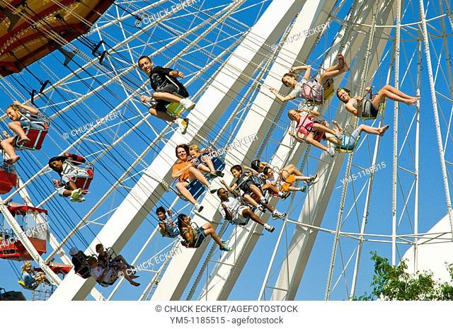 'Around the World' at Chicago's Navy Pier Park