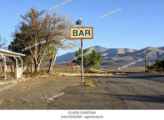 Nevada, Humboldt County, Winnemucca, abandoned gas station north of town, American Desertscapes Bar