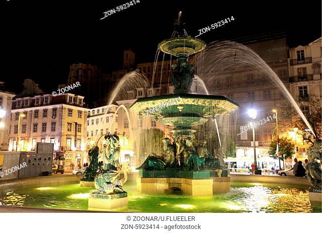 Europa, Westeuropa, EU, Euro, Portugal, Lissabon, Innenstadt, Platz, Praca Rossio, Rossio, National Theater,  (Urs Flueeler)