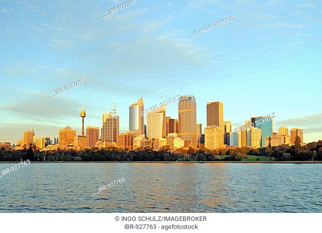 Sydney skyline at sunrise, Sydney, Australia