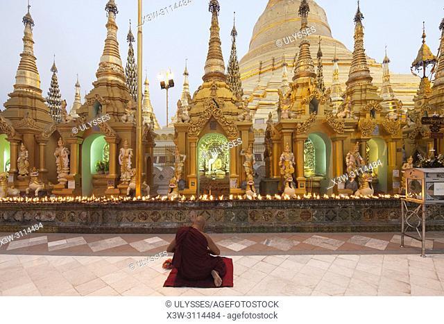 Shwedagon pagoda by night, Yangon, Myanmar, Asia