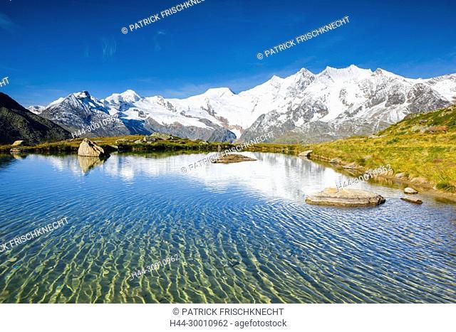 Allalinhorn - 4027m, Alphubel - 4206m, Täschhorn - 4491m, Dom - 4545m, Wallis, Schweiz