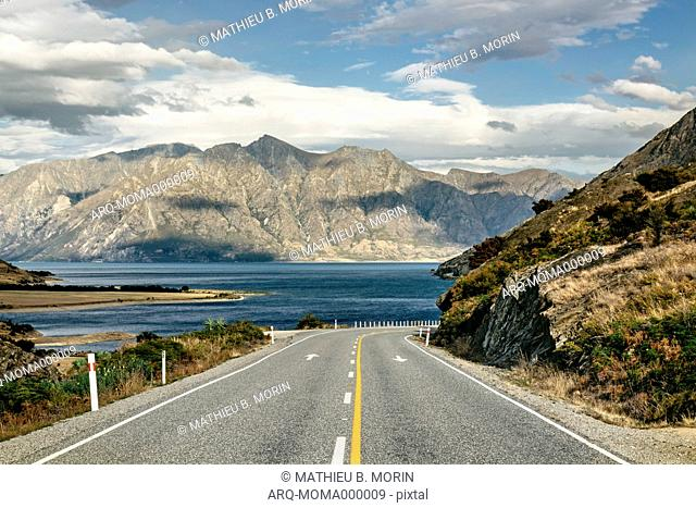The Spectacular View From The Road Leading To Lake Hawea, New Zealand