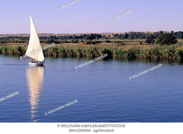EGYPT, NILE RIVER, BETWEEN ASWAN AND KOM OMBO, FELUCCA