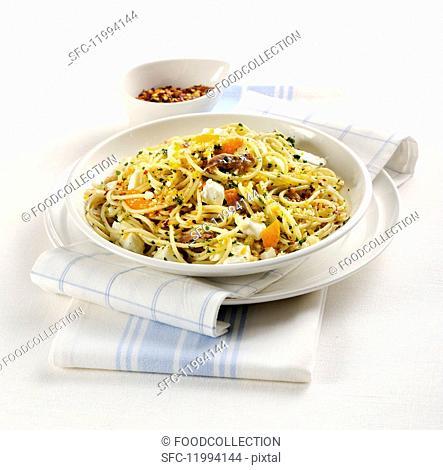 Spaghetti all'acciuga (Italian pasta with anchovies)