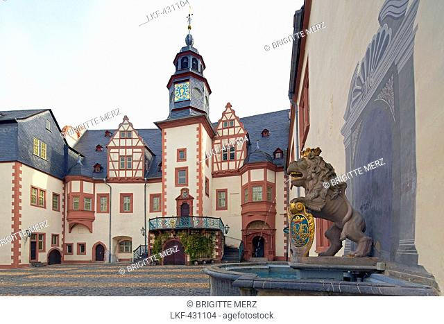 Weilburg castle inner courtyard, fountain with lion, Former residence of the counts of Nassau, Lahn, Weilburg, Westerwald, Taunus, Hesse, Germany, Europe