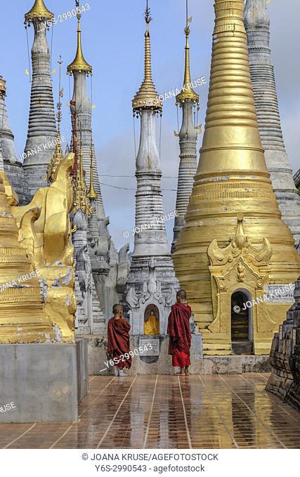 Shwe Indein Pagoda, Inle Lake, Myanmar, Asia