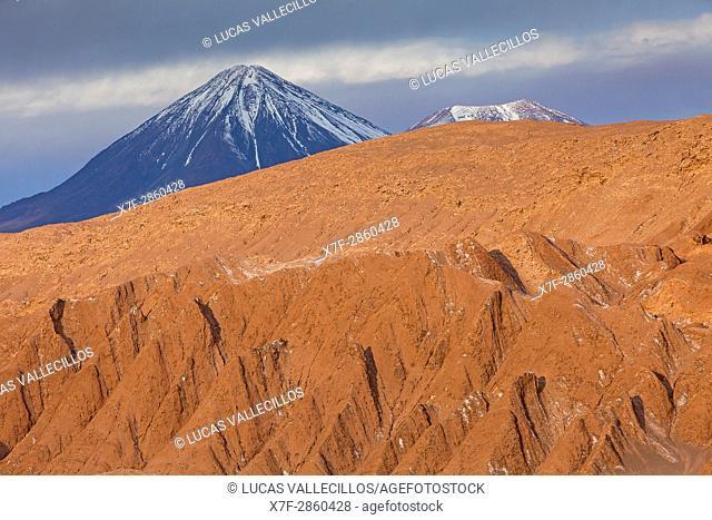 Valle de la Muerte (Valley of the Death), in background Licancabur volcano, Atacama desert. Region de Antofagasta. Chile