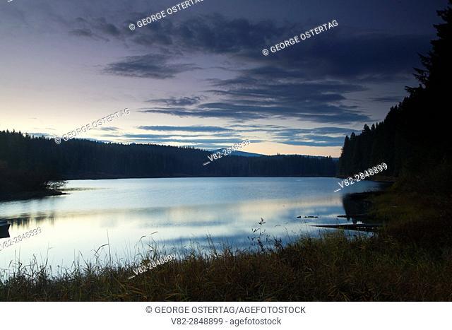 Clear Lake dawn, Willamette National Forest, Oregon