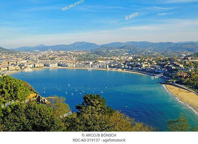 La Concha, bay, view from Monte Igueldo, San Sebastian, Basque Country, Spain / Pais Vasco
