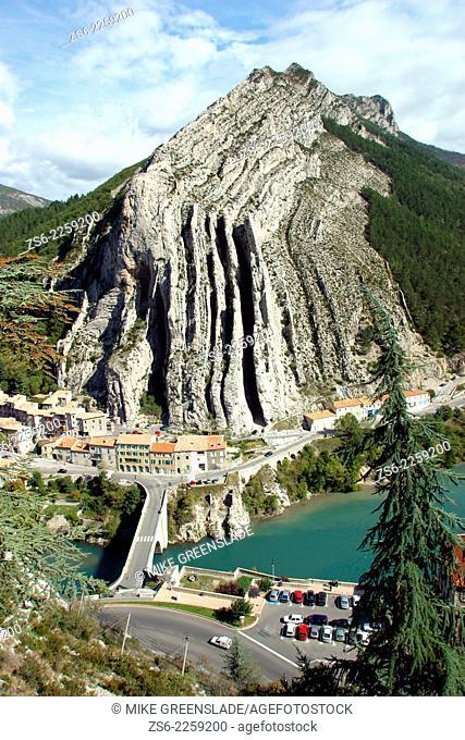 Montagne de la Baume, from Sisteron Provence, France