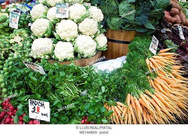 market store with fresh vegetables, cauliflower, Brussels sprouts, radish, carrots. Borought Market, Southwark, London, England, UK, Europe