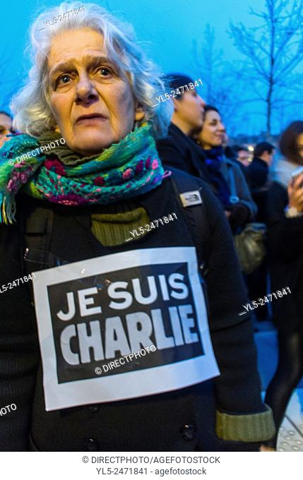 Paris, France, Demonstration Against Terrorism, After Attack on French Newspaper, Charlie Hebdo, Woman with Sign 'I am Charlie' Je Suis Charlie