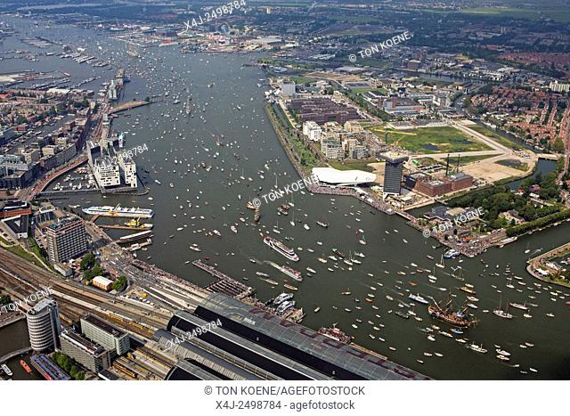 Sail is the biggest maritime event in the world. More then hundred tallships visit Amsterdam. These vessels are bing accompanied by thousands of small dutch...