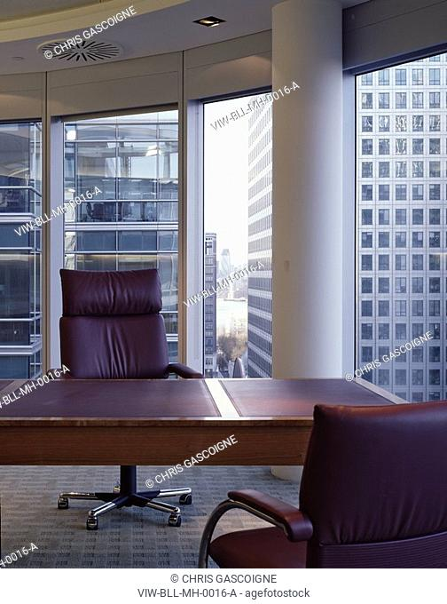 MCGRAW HILL OFFICES, 20 CANADA SQUARE, LONDON, E14 POPLAR, UK, BOVIS LENDLEASE LTD, INTERIOR, OFFICE WITH WINDOW VIEW