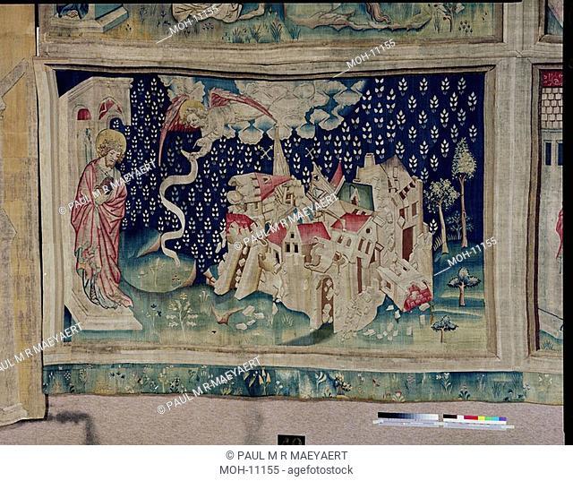La Tenture de l'Apocalypse d'Angers, un deuxième ange annonce la chute de Babylone 1,56 x 2,48m, ein zweiter Engel kündigt den Fall von Babylon an