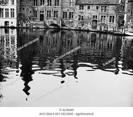 Channel in the center of Bruges, shot 1950-1960 by Stanimirovitch, Dušan