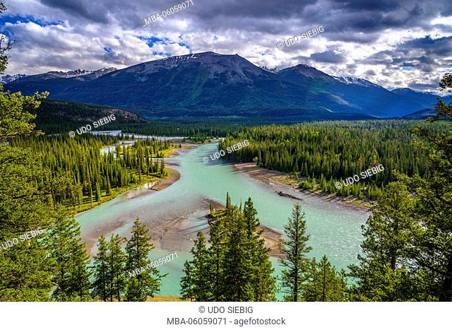 Canada, Alberta, Jasper National Park, Jasper, Athabasca River to Whistler Mountain, View from Old Fort Point