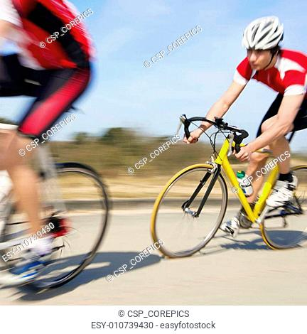 Cyclists in pursuit