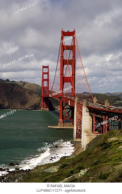 USA, California, San Francisco, Golden Gate Bridge. View of the Golden Gate Bridge looking North towards the Marin Headlands from San Francisco
