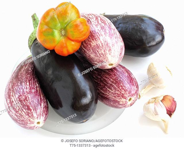 Eggplant, garlic and tomato