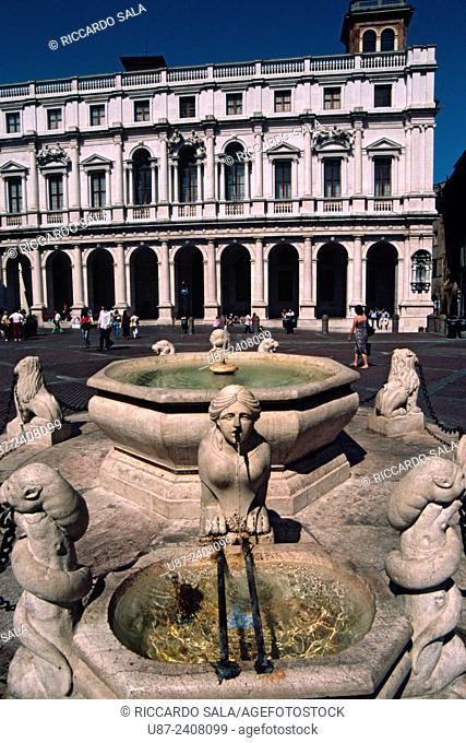 Italy, Lombardy, Bergamo Alta, Piazza Vecchia, Detail of the Fountain