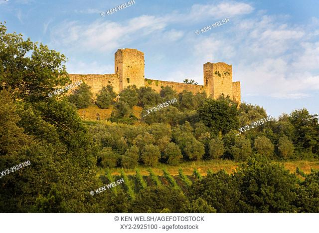 Monteriggioni, Siena Province, Tuscany, Italy. Walled medieval town