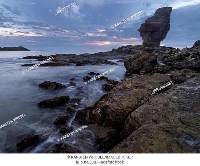 Bonhomme de Bourail rock formations, La Roche Percée coast, Bourail, Grande Terre, New Caledonia