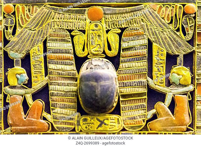 Egypt, Cairo, Egyptian Museum, jewellery found in the royal necropolis of Tanis, burial of Psusennes : Detail of a pectoral