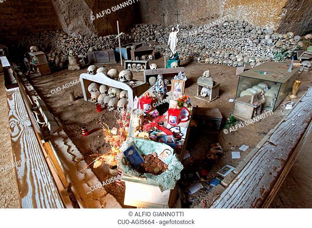 Fontanelle underground cemetery, UNESCO; World Heritage Site, Naples, Campania, Italy, Europe
