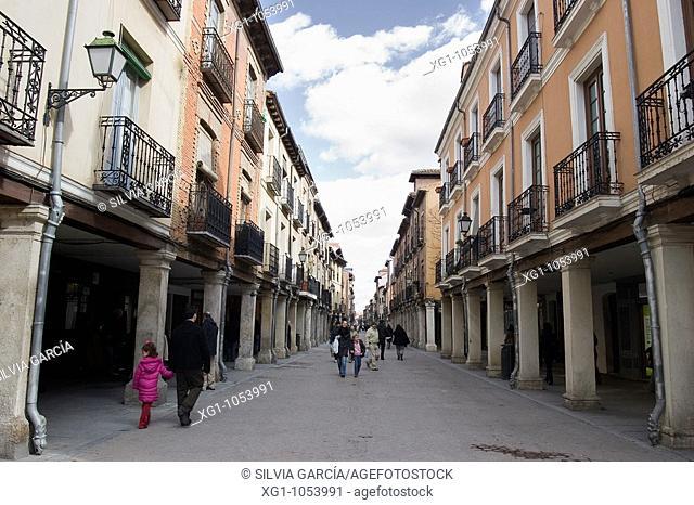 CALLE MAYOR, ALCALA DE HENARES, MADRID, ESPANYA