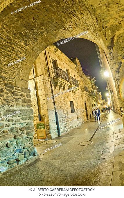 Street Scene, Typical Architecture, Old Town, Ponferrada, El Bierzo Region, León Province, Castilla y León, Spain, Europe
